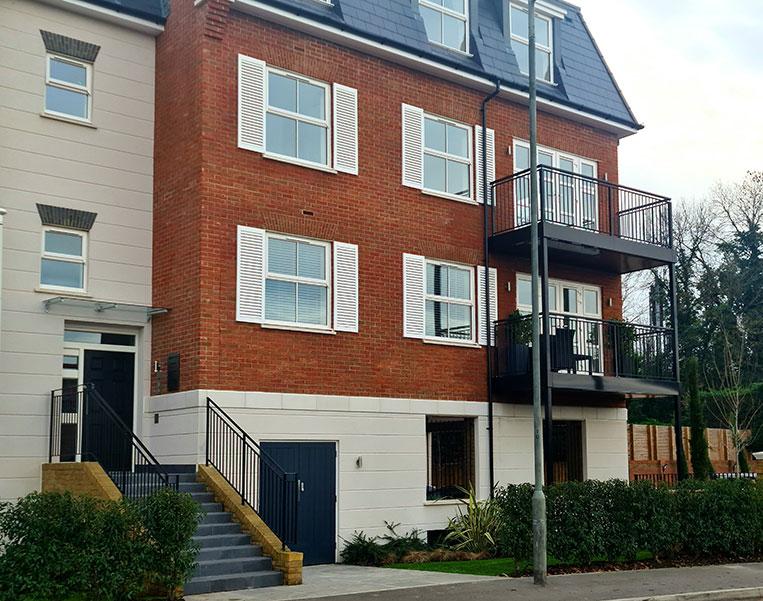 2 Blocks Apartments